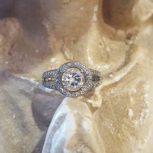 Elegant Sparkly Sterling Silver CZ Round Ring Sz 7